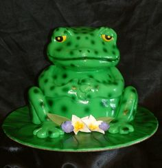 cute little frog cake
