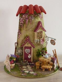 tegola- , type of roof tiles Clay Fairy House, Gnome House, Fairy Garden Houses, Fairy Gardens, Clay Houses, Ceramic Houses, Miniature Houses, Miniature Dolls, Clay Crafts