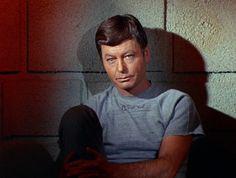 DeForest Kelley in Star Trek ❤❤❤ Star Trek 1966, Star Trek Tv, Star Wars, Star Trek Original Series, Star Trek Series, Tv Series, Science Fiction, Dr Leonards, Leonard Mccoy