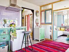 O apartamento dos móveis coloridos