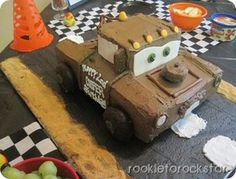 How awesome is this Mater cake?!