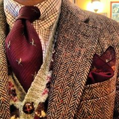 Ducks are a great fall tie subject matter! Beautiful layers here...