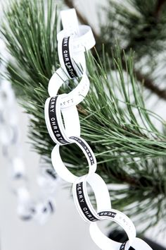 Christmas / Tutorial / Black & white garland