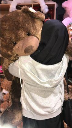 Stylish Hijab, Casual Hijab Outfit, Hijab Chic, Best Photo Poses, Girl Photo Poses, Girl Photos, Muslim Girls, Muslim Couples, Muslim Women
