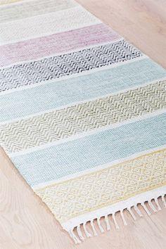 Kilim Rugs, Rag Rugs, Basket Weaving, Hand Weaving, Home Carpet, Textiles, Weaving Projects, Woven Rug, Handmade Rugs