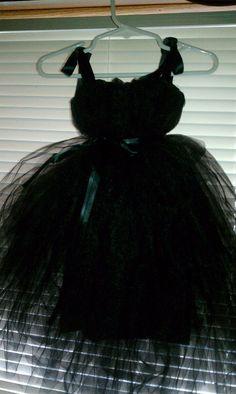 This DIY Mom's Diary: DIY Tutu Dress @jessica gardiner see super easy to make :)