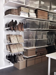 ALGOT systeem | #IKEA #DagRommel  Dit komt zeker in mijn kamer, wat een fantastisch systeem! En in de dressing in de gang. Heel overzichtelijk.