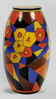 Charles-Cotteau-cubist-vase.jpg-397px-697px