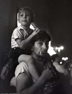 Harold Feinstein captures the beauty of Coney Island at night. More on PlainMagazine