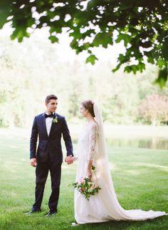 Romantic springtime wedding inspiration: http://www.stylemepretty.com/2014/07/02/romantic-springtime-wedding-inspiration/ | Photography: http://www.yazyjo.com/
