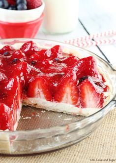 Strawberry Cream Pie {#piday} - Life Love and Sugar