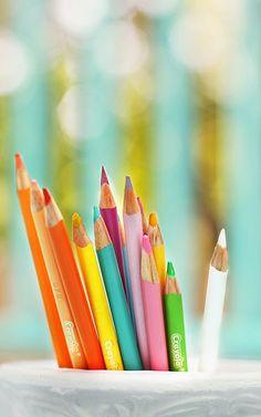I do love me some colored pencils!