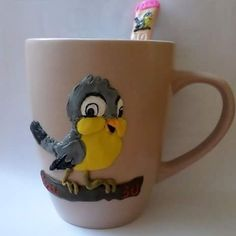 One of my friends' birthday gift #birdlover #polymerclay #fimo #clay #fimoclay #diy #handmade #handmadegift #creative #mugdecoration #finofigurines #polymerclayart #polymerclaycreations #birdart #birds