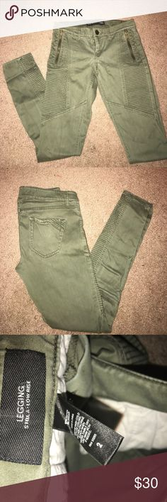 """Moto Express LOW RISE Jean Leggings Oldie but goodie """"Stella Low Rise"""" Jean leggings.  Olive Green. Moto and zipper details. Express Jeans Skinny"""