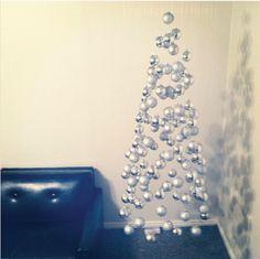 Invisible Christmas Tree DIY