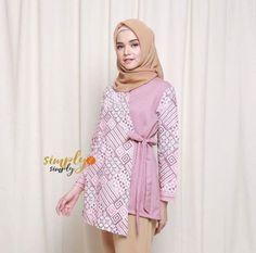 Party fashion style schools 58 Ideas for 2019 Frock Fashion, Batik Fashion, Party Fashion, Hijab Fashion, Fashion Dresses, Batik Blazer, Blouse Batik, Batik Dress, Batik Muslim