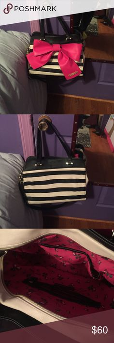 Betsey Johnson tote Black and white striped shoulder bag, perfect condition Betsey Johnson Bags Shoulder Bags