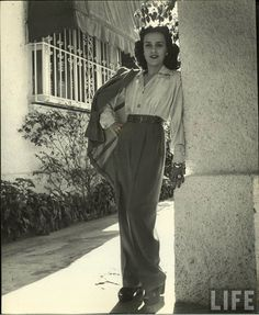 1940s pantsuit. What a lovely pair of trousers! And that blouse!