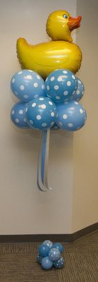 Let us help make your Baby Shower Adorable with our Baby Balloon Decor! Baby Ballon, Baby Shower Balloons, Baby Shower Themes, Baby Shower Gifts, Shower Ideas, Balloon Centerpieces, Balloon Decorations, Balloon Ideas, Baby Shower Duck