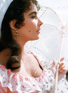 The profile of a goddess: as all cameramen in Hollywood noted, Elizabeth Taylor's face was flawlessly symmetrical; she had no bad angle, and her eyes were of the deepest violet.
