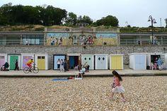 Lyme Regis beach photo linking to more Lyme Regis Pictures, Dorset