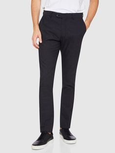 STRETCH TEXTURED TROUSERS   GREY DARK - Oxford Shop Mens Trousers Casual, Trouser Suits, Oxford Online, Polo Tees, Slim Man, Workwear, Workout Shirts, Mens Suits, Black Jeans