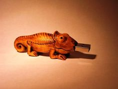 handcrafted-wood-chameleon-usb-flash-drive-side Usb Drive, Usb Flash Drive, Happy Colors, Chameleon, Computer Accessories, Lion Sculpture, Creativity, Hardware, Orange