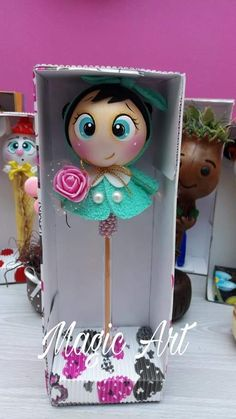 Fofulapiz Foam Crafts, Crafts To Do, Arts And Crafts, Diy Crafts Phone Cases, Porcelain Pens, Fondant Animals, Bazaar Crafts, Pencil Toppers, Waldorf Dolls