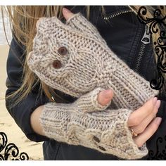 Owl fingerless mitts 5 sizes Fun, fast and warm - these fingerless mittens are knitted in chunky yarn, and your fingers are free to text, work and play! The owl on each glove is a. Fingerless Gloves Knitted, Crochet Gloves, Knit Mittens, Wrist Warmers, Hand Warmers, Bead Crochet, Crochet Lace, Gants Roses, Laine Chunky