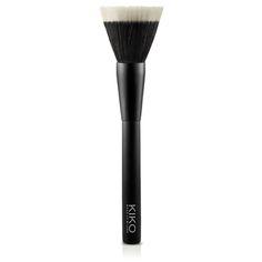 Aquí te hablo de las brochas que necesitar para hacer un maquillaje fácil, básico y principiante: