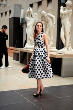 "Gp2xd4su1MGUcUK.jpg - Leighton Meester in polka dot dress from Gossip Girl s4e2 ""Double Identitiy"""