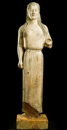 ETRUSCAN VESTAL VIRGIN............. La Koré del Peplo ( escultura arcaica) lamina 24.   El Rincon de las Musas