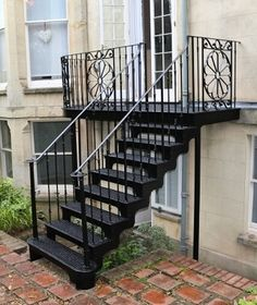 40 Genius Options For Closed Balcony To Enjoy In All Weather Conditions - Modern Home Design Staircase Outdoor, Iron Staircase, Wrought Iron Stairs, Metal Stairs, Stair Railing, Staircase Design, Railings, Floor Design, House Design