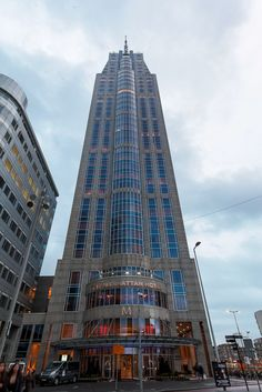 Lekker even shoppen en op stap? Rotterdam is ideaal voor een stedentripje! Het luxe The Manhattan Hotel Rotterdam is al eens actie van de dag geweest..