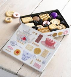 Summertime Biscuits for Tea - Marks & Spencer I want one please!