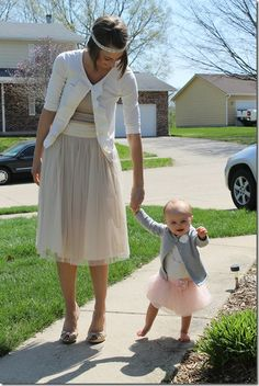 Mommy and me Easter outfits - I can't get over that perfect tulle skirt!