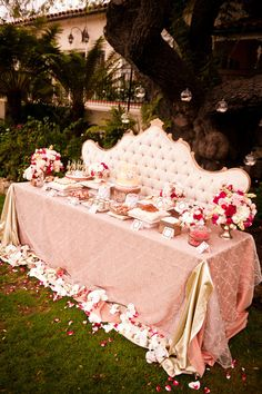 ♥Romantic dessert table.