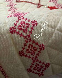 Prayer Rug, Cross Stitch, Lassi, Instagram, Cross Stitch Embroidery, Cross Stitch Designs, Border Tiles, Towels, Dressmaking