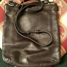 """VINTAGE COACH SEE ALL PICS , trade value 125.00 Excellent sign of Coach's workmanship. Beginning of crossbodies introduced to us . This was still produced in NYC factory. BROWN LEATHER WELL KEPT CONDITION SO OftEN AS TO PREVENT CRACKING. Last picture is the only damaged part of this bag. thats an easy fix...  tall apporox 13 in. X wide approx 6 in. 1 to 2 """" depth  but can hold alot. Confirmed with Coach myself, authentic and sold at 198.00 when 1st introduced. This is a factory  bag worth a…"""