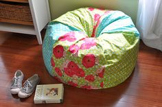 bean bag chair cover tutorial- I've been wanting to get some beanbags for the girls and this would be so fun!