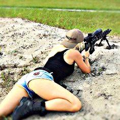 Sexy girl in prone shooting a sniper rifle! Mujeres Tattoo, Warrior Girl, Warrior Women, Military Women, N Girls, Badass Women, Guns And Ammo, Country Girls, Beautiful Women