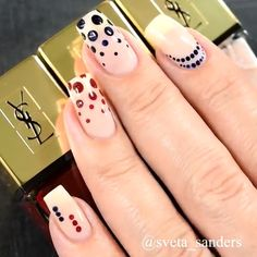 Anziehsachen Wunderschönes Nageldesign Hair Straightening Tips and Tools Women from all walks of lif Dot Nail Art, Polka Dot Nails, Nail Art Diy, Diy Nails, Cute Nails, Hallographic Nails, Nail Nail, Dot Nail Designs, Nail Art Designs Videos