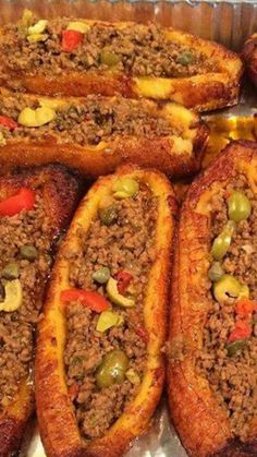 Canoas- sweet plantains filled with ground beef Puerto Rican Recipes, Mexican Food Recipes, Beef Recipes, Cooking Recipes, Dominican Recipes, Puerto Rican Dishes, Haitian Food Recipes, Spanish Recipes, Dutch Recipes