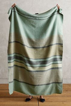 MINTED STRIPE THROW