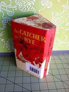 holdens loss of innocence in the novel the catcher in the rye by jd salinger The novel catcher in the rye written by jd salinger is about holden caulfield an examinatory essay on holden's loss of innocence throughout the novel (2006 the loss of innocence in catcher in the rye the novel the catcher in the rye takes place in new york during the 1950's.