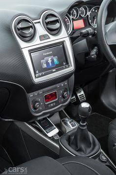 Interior photo Alfa Romeo MiTo Live showing Pioneer AppRadio