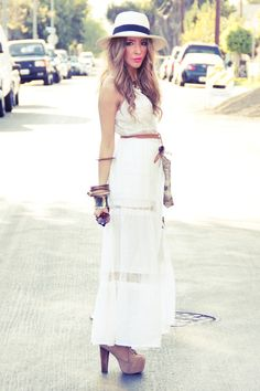 THE WHITE LACE CONTRAST MAXI