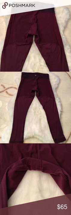 🍒 Beautiful Lululemon berry Crops Gently wore no pulling, fading, rips, or tears!! Sexy flattering fit!!  Tag is cut they are a size 4.  The length comes right above my ankle I'm 5 2' for reference. ❗️NO TRADES PLEASE❗️ 🛍 BUNDLE UP AND SAVE!! lululemon athletica Pants Leggings