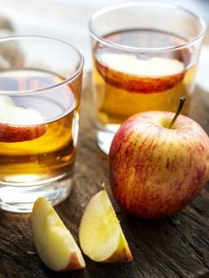Find here how to take apple cider vinegar for weight loss. You can take apple cider vinegar for weight loss in numerous ways out of which few are described here Home Remedies For Uti, Uti Remedies, Cold And Cough Remedies, Natural Home Remedies, Health Remedies, Apple Cider Vinegar Remedies, Apple Cider Vinegar For Skin, Apple Cider Vinegar Benefits, Liver Cleanse Juice