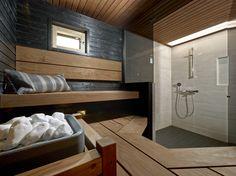 Mustat saunapaneelit ovat tyylikäs ja omaperäinen ratkaisu luoden aivan omanlaistaan tunnelmaa! Sauna Design, Saunas, Hotel Spa, Home And Living, Bathtub, Bathroom, Cabins, Castles, Houses